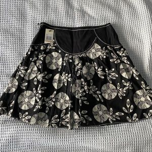 🛍2/$20🛍 STUDIO M EMBROIDERED FLARED SKIRT NWT